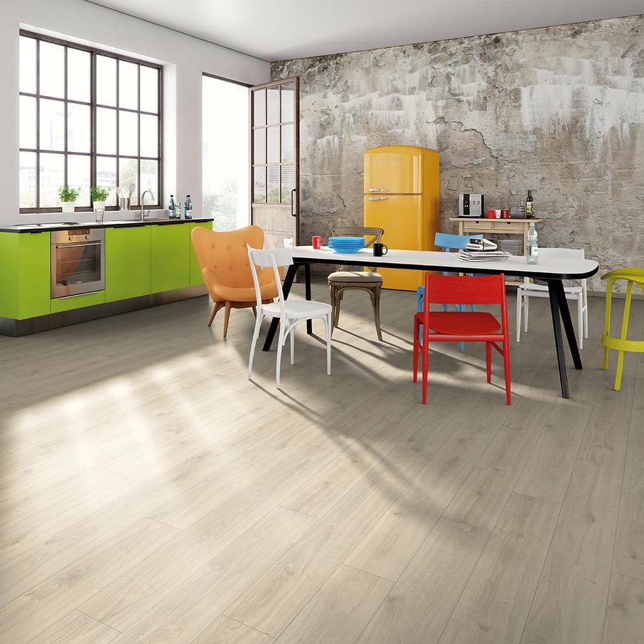 aranżacja 1 Panele podłogowe EGGER Home Dąb Adelboden EHL108 Aqua +